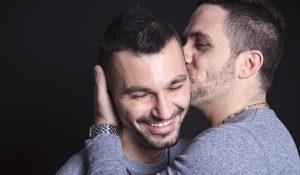 gay je sors avec un hétéro
